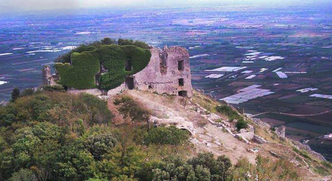 Castello di Mondragone