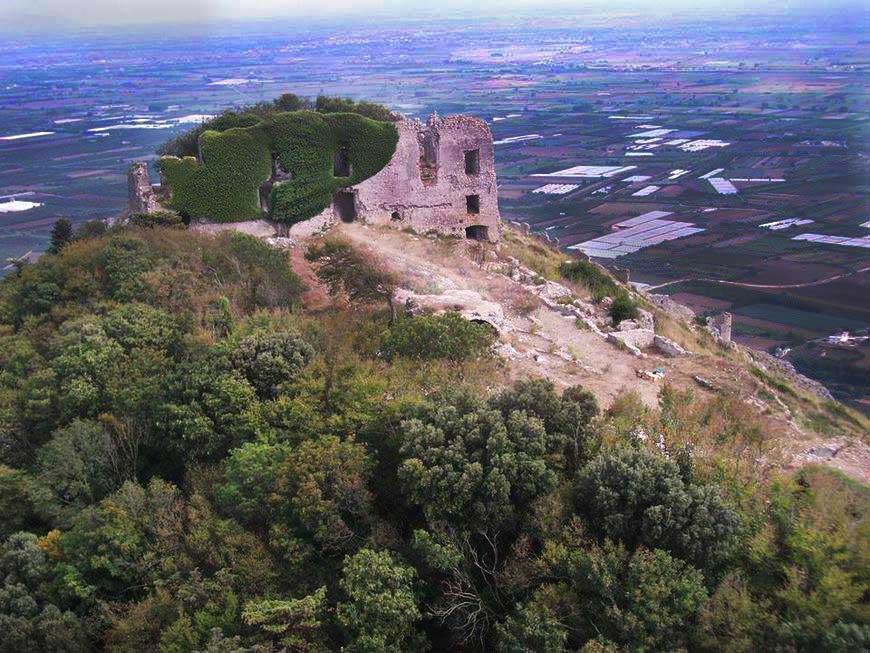 Castello Mondragone