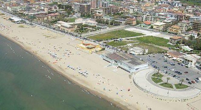 Panorama Mondragone Foto Spiaggia